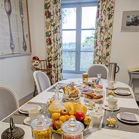 Das Frühstück - La Perluette - Chambres d\'hôtes de charme à Blois